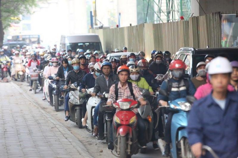 doan-duong-dai-1km-oan-minh-cong-den-7-truong-dai-hoc-cao-dang-o-ha-noi-15_800x533.jpg