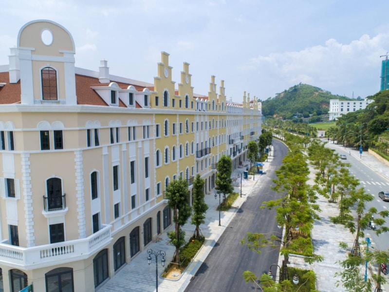 hon-500-chuyen-vien-tham-du-le-ra-quan-du-an-sun-grand-city-feria-ha-long-2_800x599.jpg