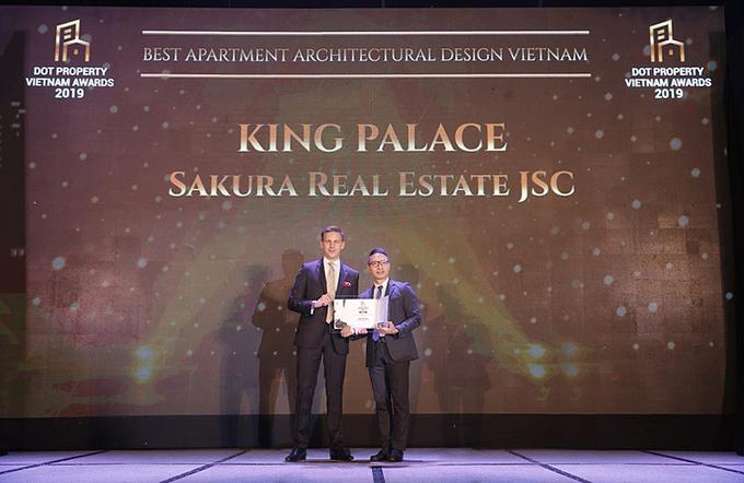 king-palace-ra-mat-can-ho-mau-tren-tang-16-cho-khach-hang-tham-quan-trai-nghiem1.jpg